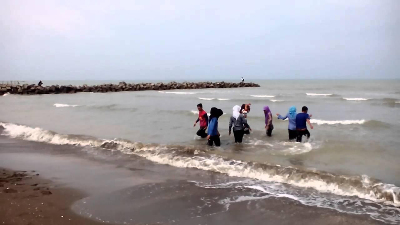 Pantai Glayem 1